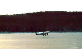 ice-takeoff.jpg (21534 bytes)