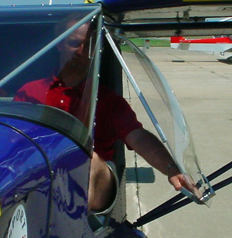 STOL CH 701 Bubble Door Option for maximum visibility and