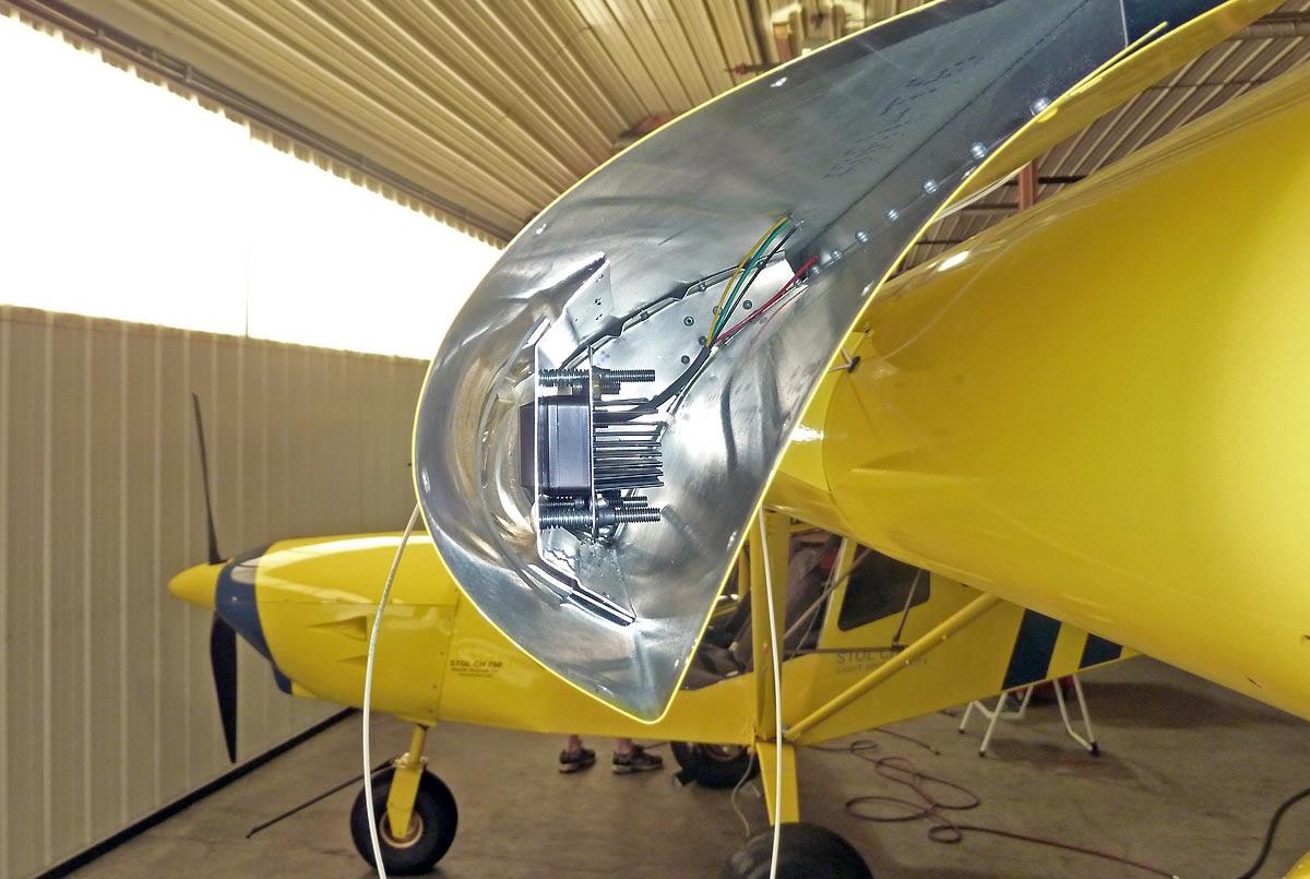 LED (light emitting diode) Aircraft Lighting Systems: Nav / Strobe