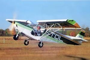 Chris Heintz flies the STOL CH 701